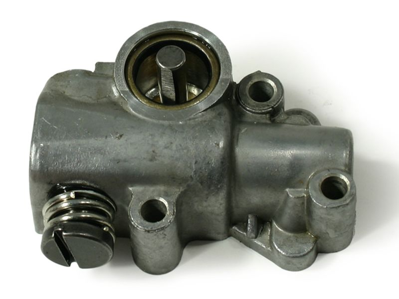 oil pump fits Stihl 030 031 032 AV 030AV 031AV 032AV